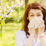 10 Ways to Combat Spring Allergy Symptoms Naturally