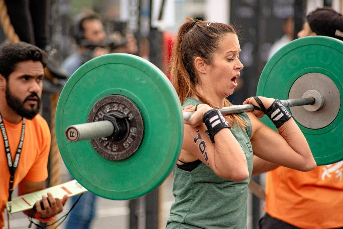 woman-lifting-a-barbell
