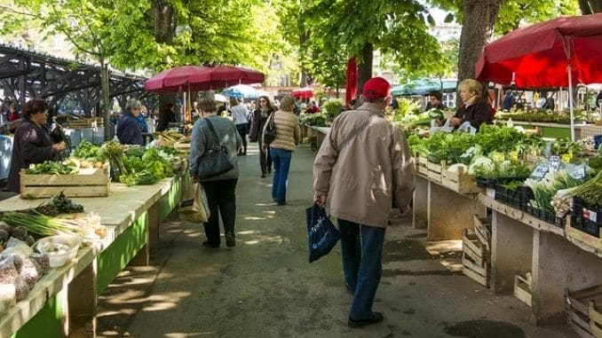 shopping at the farmers' market