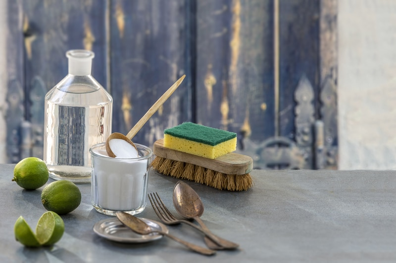 15-Ways-to-Use-Baking-Soda-in-Your-Personal-Care-Routine