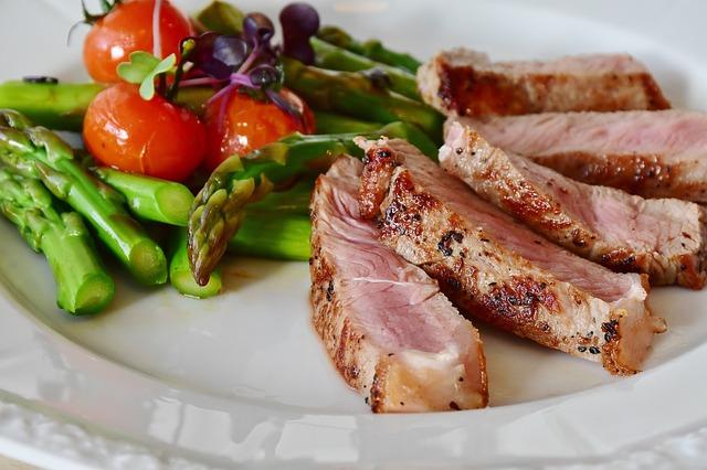 asparagus-steak-veal-steak-veal