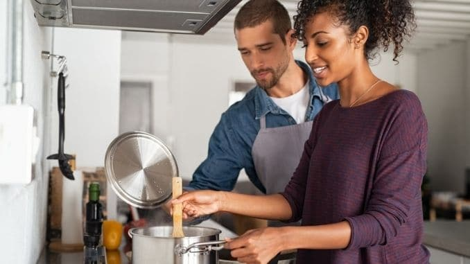 cooking-meal-with-boyfriend