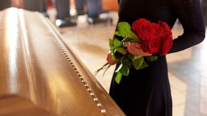 red-roses-and-coffin