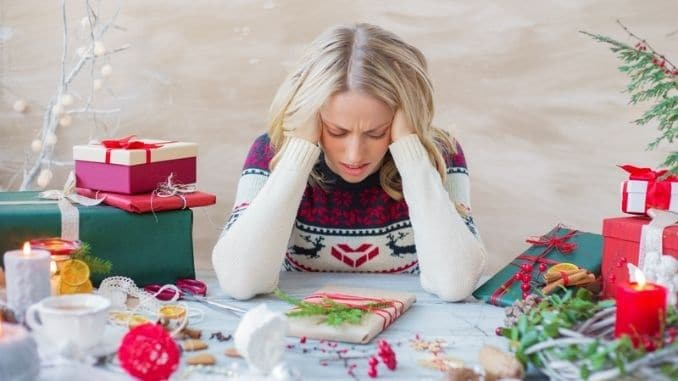 10-Ways-to-Cope-with-Holiday-Social-Anxiety-This-Year