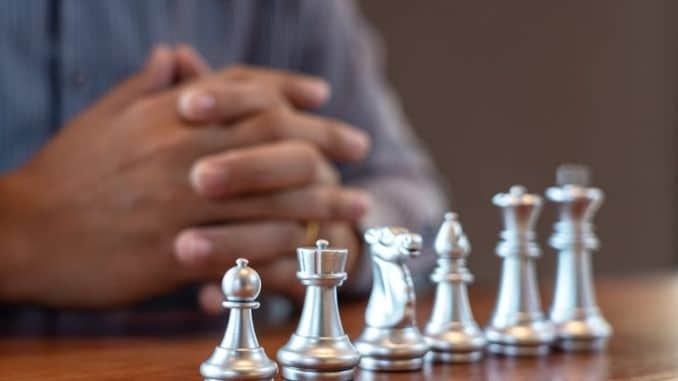 moving-chess-game