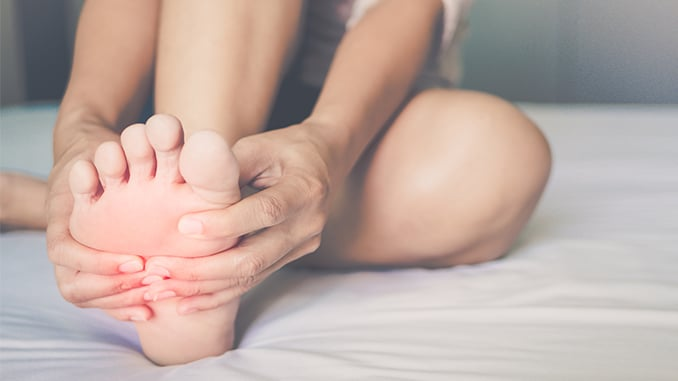 6 Ways to Soothe Foot Pain
