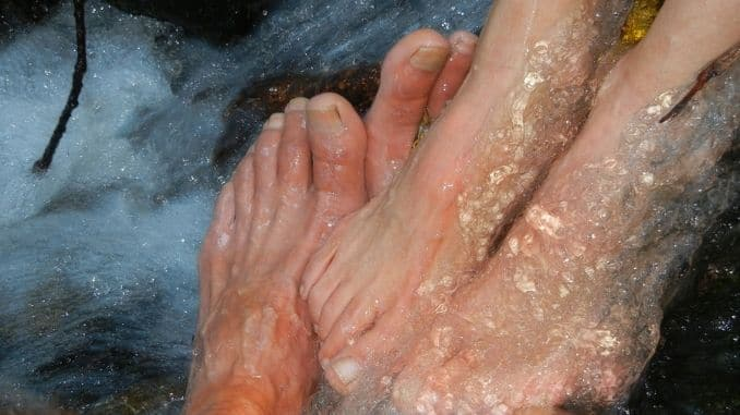 feet-water-cold