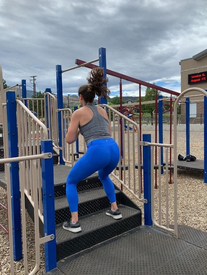 8c – Stair Squats